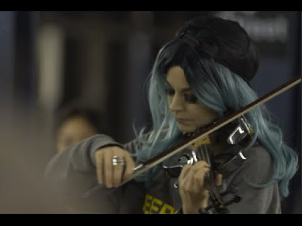 Listen to this amazing Violin cover of Hallelujah